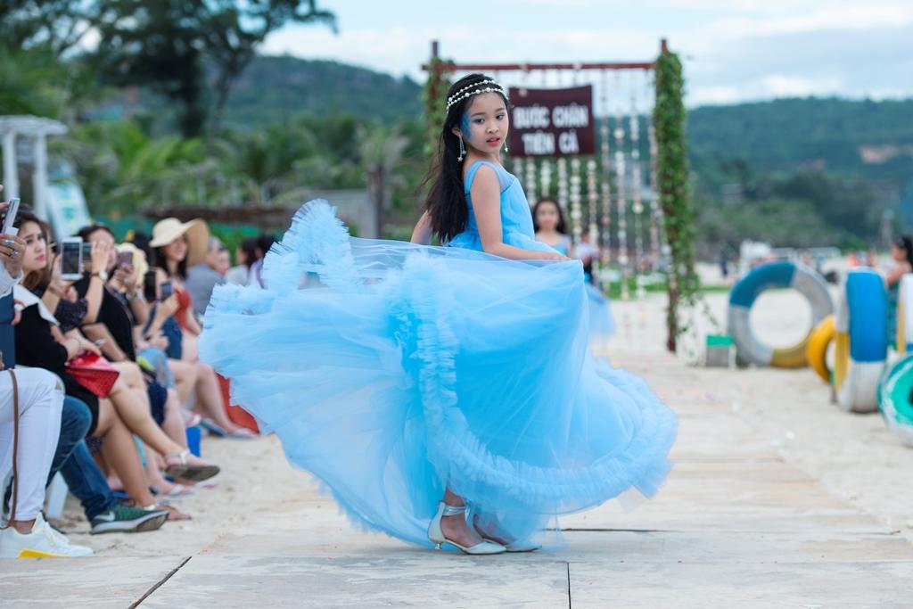 Daisy Ngoc Han (2)