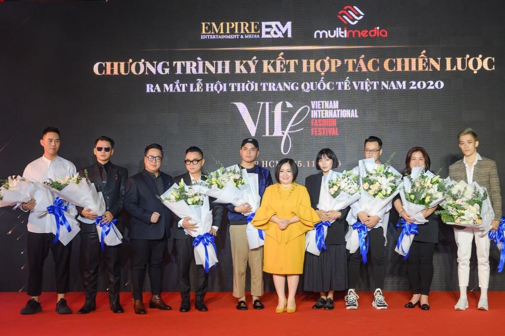 Lễ Ký kết EmpireEM_MultiMedia và Ra mắt chương trình Vietnam International Fashion Festival 2020(1)