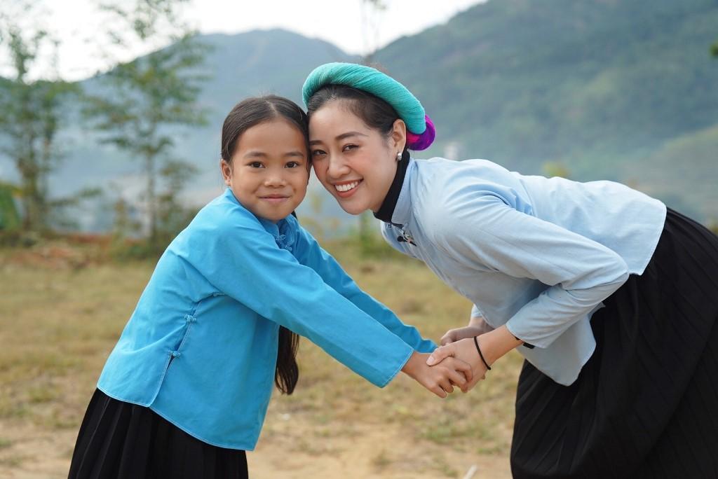 Nguoi dep Vietnam Why Not tham gia da banh50