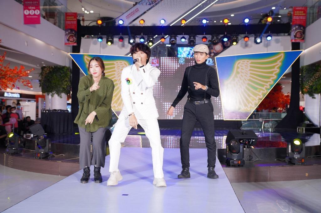 Thiên Khôi - Quán quân Idol kids