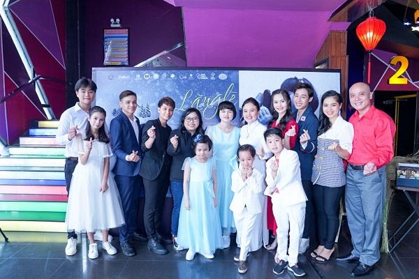 Ekip MV Lang Le Mot Tinh Yeu