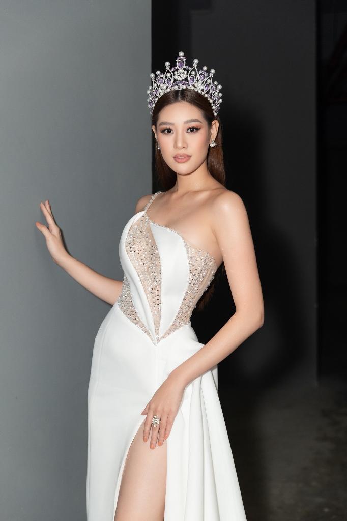 Hoa hau Khanh Van cham thi Miss va Mister Van Lang 202058