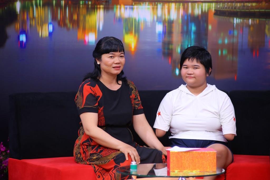 BE HOAI THUONG TRONG DIEU CON MUON NOI (21)
